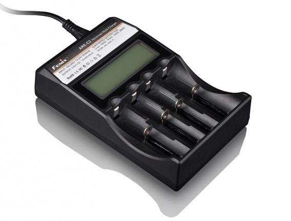 Baterie a nabíječky - Čtyřkanálová nabíječka Fenix ARE-C2 (Li-Ion a NiMH)